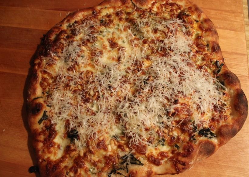 Pest Pizza w parmesan done